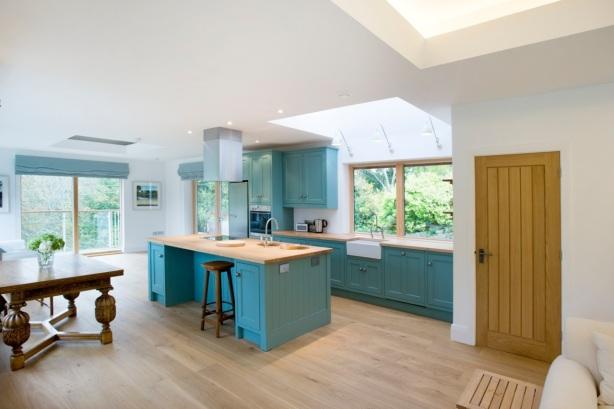 small kitchen woodwork designs
